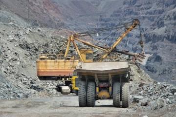 iron-ore-1-900x556